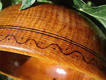 Nádoby - Drevená miska, jemne zdobená - malá - 4512325_