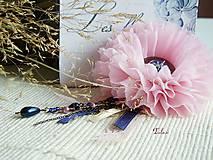 Odznaky/Brošne - -20% AKCIA Shabby story with dusty rose and navy blue...brošňa - 4518640_
