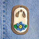 Náhrdelníky - Rifľový kvet na dreve - 4525275_