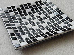 Nádoby - Tanierik z mozaiky_čierno - biely - 4529642_