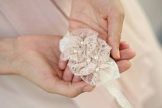 Ozdoby do vlasov - Vintage čelenka s krajkou a perlami ružová - 4534293_