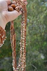 Náhrdelníky - Háčkovaný náhrdelník s korálky-hnědý - 4544499_