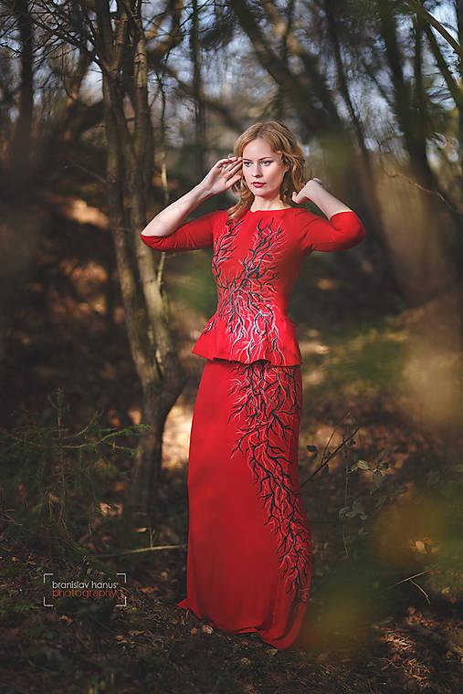 a373a3d530d7 Červený maľovaný top so sukňou...   Adalei - SAShE.sk - Handmade Šaty