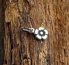 Náhrdelníky - kvetinka - 4548729_