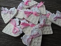 Darčeky pre svadobčanov - srdiečko pre hostí s krajkou/zdobené - 4575602_