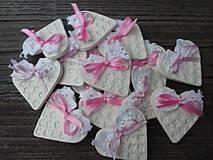 Darčeky pre svadobčanov - srdiečko pre hostí s krajkou/zdobené - 4575606_