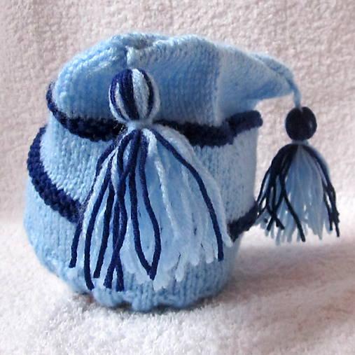 ZĽAVA z 8e - Modrá pruhovaná čiapka s brmbolcami