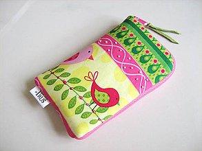 Na mobil - Pípání v limetce- vyšívaný obal na mobilní telefon - 4587046_