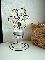 Svietidlá a sviečky - svietnik kvet - 4592851_