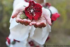 Náhrdelníky - Plstený náramok Červený fantazijný - 4613614_