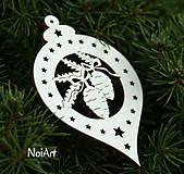 Dekorácie - Vianočná ozdoba Guľa so šiškami - 4624676_