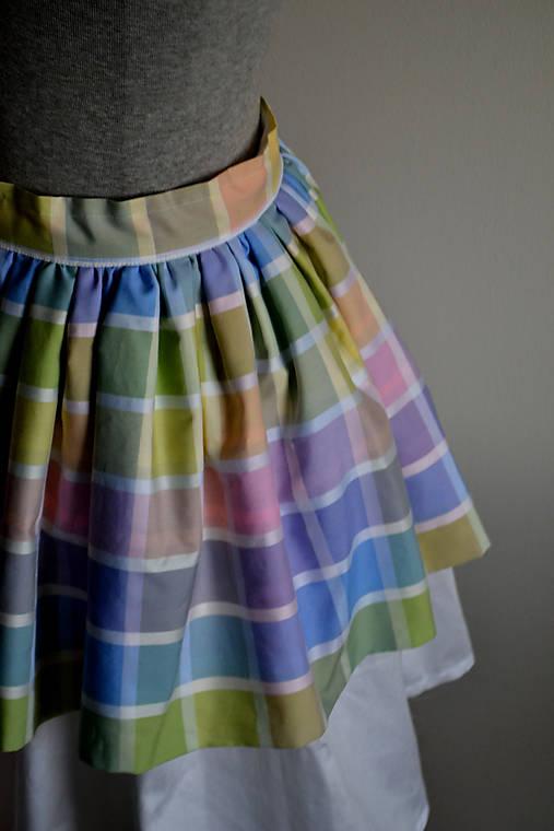 Pastelkami vyfarbená loli sukňa