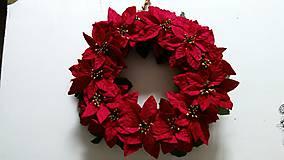 - Veniec plný vianočných ruží 38 cm - 4675740_