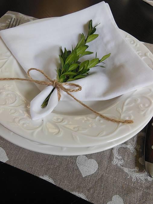 Sviatočný obrúsok  biely