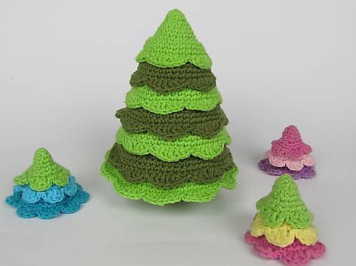 Háčkovaný Vánoční stromek se stročkami - návod