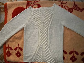 Svetre/Pulóvre - Maslový sveter s rebrovým vzorom - 4708197_
