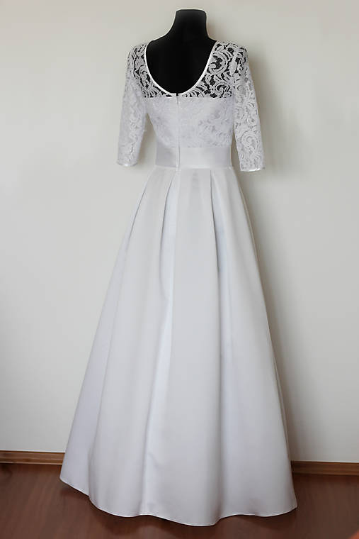 5a4a33966676 Svadobné šaty v retro štýle so skladanou sukňou   Dyona - SAShE.sk ...