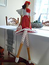 Bábiky - Červená v klobúčiku - 4721521_