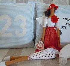 Bábiky - Červená v klobúčiku - 4721519_