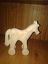 Hračky - vyrezávaný koník - 4723280_
