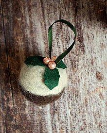 Dekorácie - vianočná guľa Holly - 4726111_