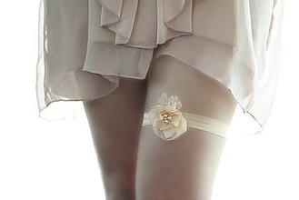 Bielizeň/Plavky - Svadobný podväzok oranžový marhuľový s perlami - 4740407_