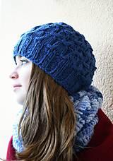 Pletená čepice s přetahovaným vzorem-modrá