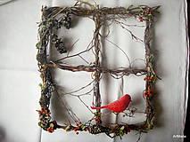 Dekorácie - Vianočné okno s vtáčikom - 4774377_
