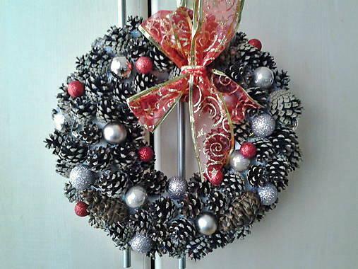 1d4f47760 Vianočný veniec na dvere / uDanky - SAShE.sk - Handmade Dekorácie