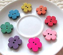 Galantéria - Drevené farebné kvetinky, rôzne farby, 19x18 mm / kus. - 4784661_