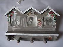 Rámiky - Zasneženy vešiačik s rámikmi na fotky - 4788260_