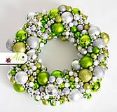 Dekorácie - Adventný veniec z vianočných gulí - 4787957_
