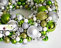 Dekorácie - Adventný veniec z vianočných gulí - 4787970_