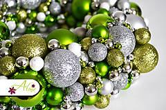 Dekorácie - Adventný veniec z vianočných gulí - 4787998_
