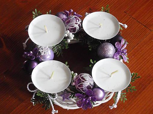 2bab62431 Fialovo-biely adventný veniec / erikak - SAShE.sk - Handmade Dekorácie