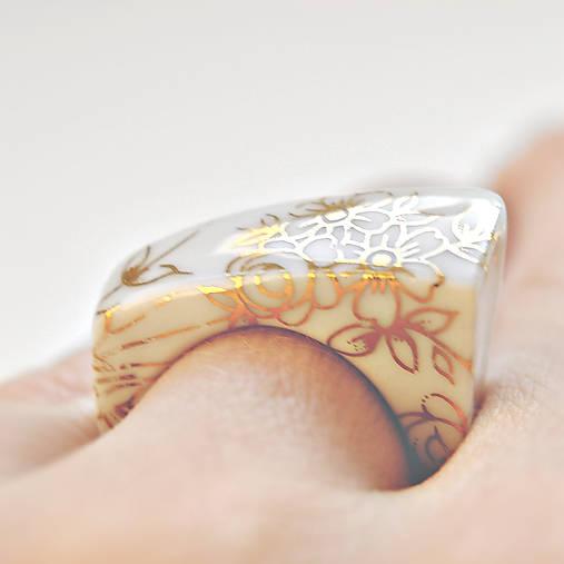 Prsteň zlatý kvet / RING RING - gold