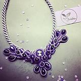 Náhrdelníky - Ručne šitý šujtášový náhrdelník/Ametyst love - 4810651_
