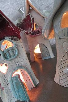 Svietidlá a sviečky - svietnik -domček - 4809822_