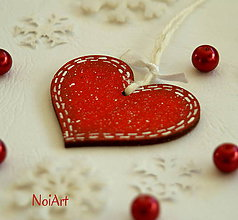 Dekorácie - Vianočná ozdoba SRDIEČKO červené lemované - 4816332_