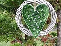 Dekorácie - zelené srdce vo venci - 4826638_