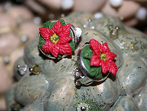 Náušnice - vianočné ruže - klipsy - 4839184_