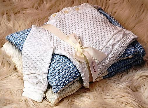 Detské súpravy - Darčekový set pre bábätko - modrý (deka, vankúšik, svetrík) - 4841449_