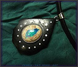 Náhrdelníky - 414. Drevený náhrdelník GRENADILL - OHNIVÝ OPÁL Mexiko - 4845580_