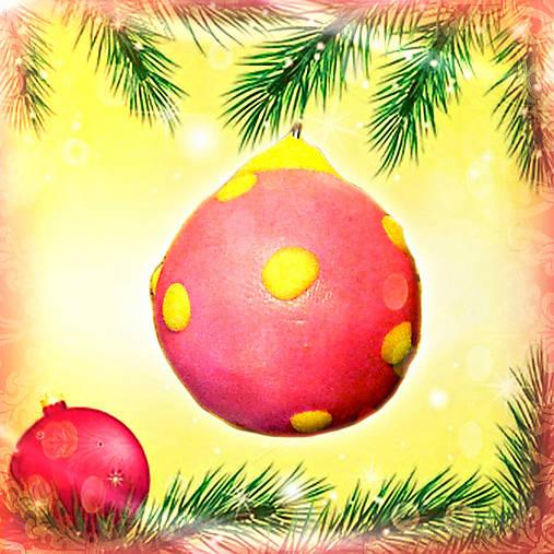 3D vianočná guľa - s puntíkmi NA ZÁKAZKU
