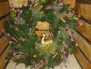 Dekorácie - Vianočný veniec na dvere s jeleňom - 4873438_