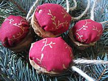 Vianoce - vianočné oriešky - 4873653_