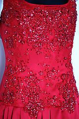 Šaty - Spoločenské/ Plesové šaty s vyšívaným korálovým živôtikom ZĽAVA - 4876866_