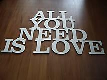 Tabuľky - Nápis All you need is love - 4887372_