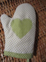 Úžitkový textil - rukavica - zelené bodky - 4897244_