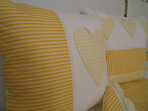 Úžitkový textil - vankúš so srdiečkami - smotanovo -žltý - 4903217_